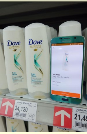 Harga barang di toko sama dengan harga barang di aplikasi/website.